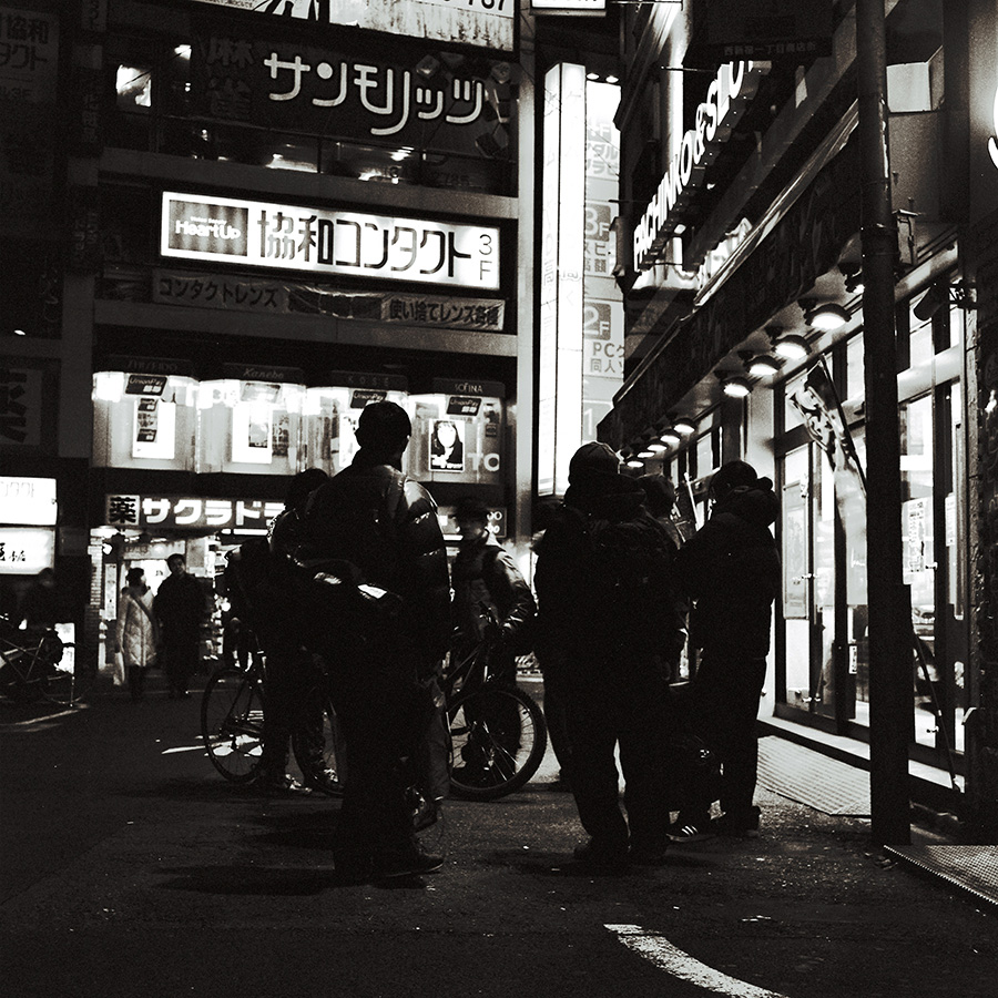 feature_003_shinjuku-dark(6)